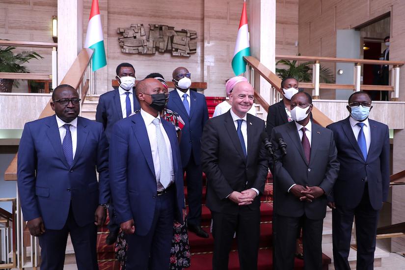 Le Président Alassane OUATTARA, Gianni INFANTINO et Patrice MOTSEPE