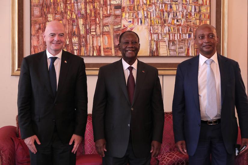 Entretien du Président ivoirien Alassane OUATTARA, avec Gianni INFANTINO et  Patrice MOTSEPE, le mardi 4 mai 2021, à Abidjan – AIP – Agence Ivoirienne  de Presse
