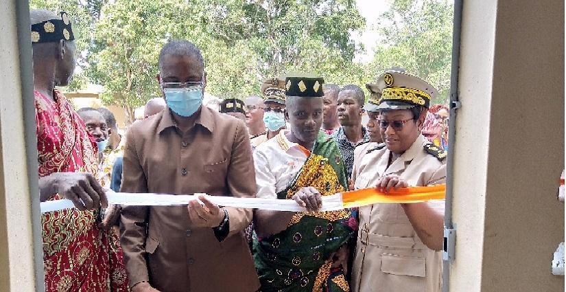 Le ministre des Ressources Animales et HalieutiquesSidi Touré inaugure des infrastructures à l'EPP Souafouè de Béoumi
