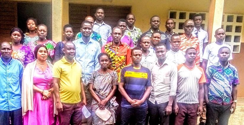 Personnel et parents d'élèves du CYKRA de Tanda