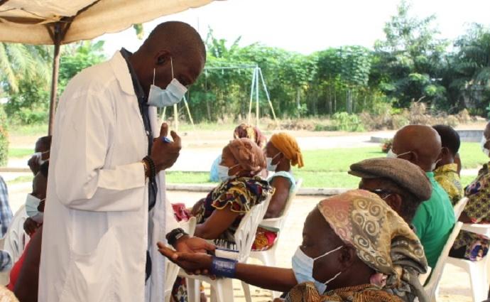Consultation personnes 3ème âge à Tiassalé
